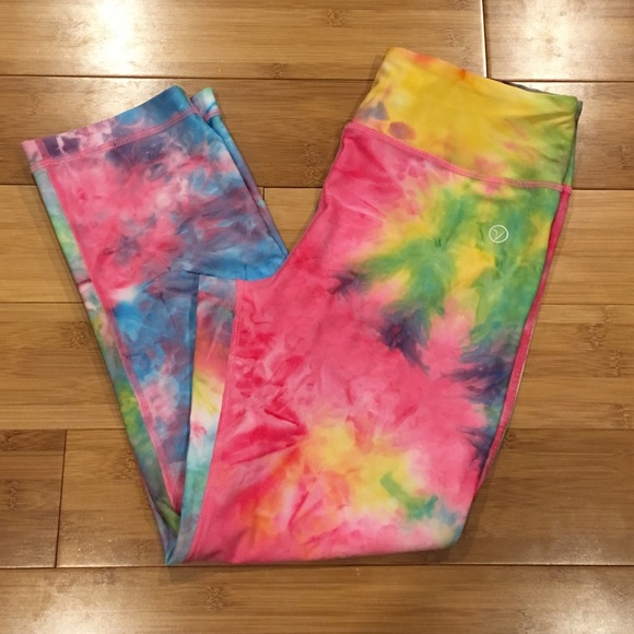 6a27cf4d3b VOGO Athletica tie dye workout capri leggings. M_5b92a97804ef5032ffc79eab